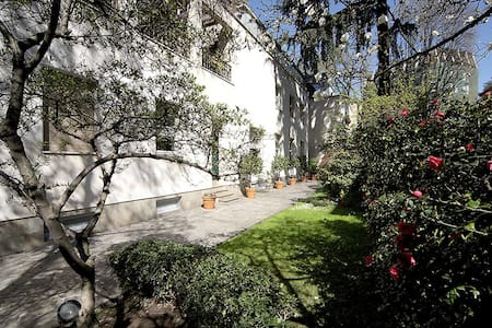 Luxury Villa with private garden - Buonarroti area - ミラノ