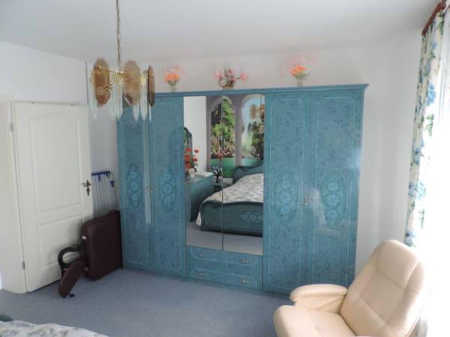 Schlafzimmer 2-3
