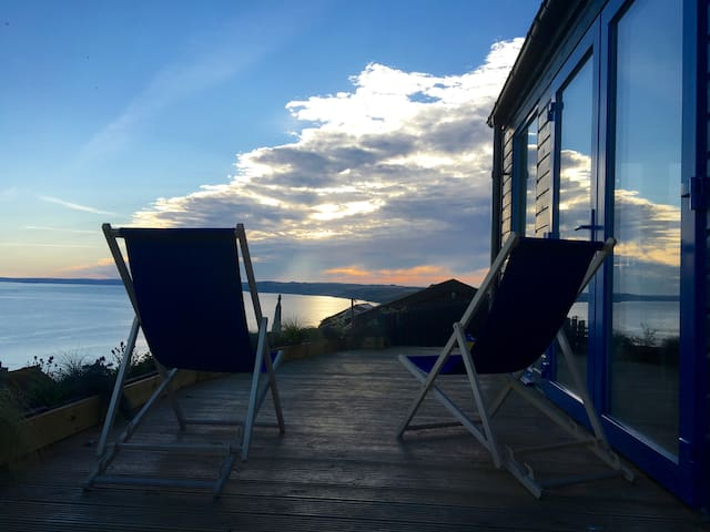 Blue Haze Chalet, Stunning Ocean Views.