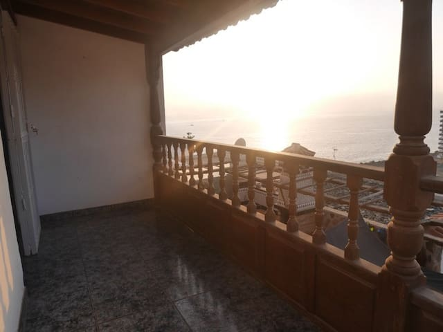 Bedroom in shared house, LosCaideros-Gran Canaria