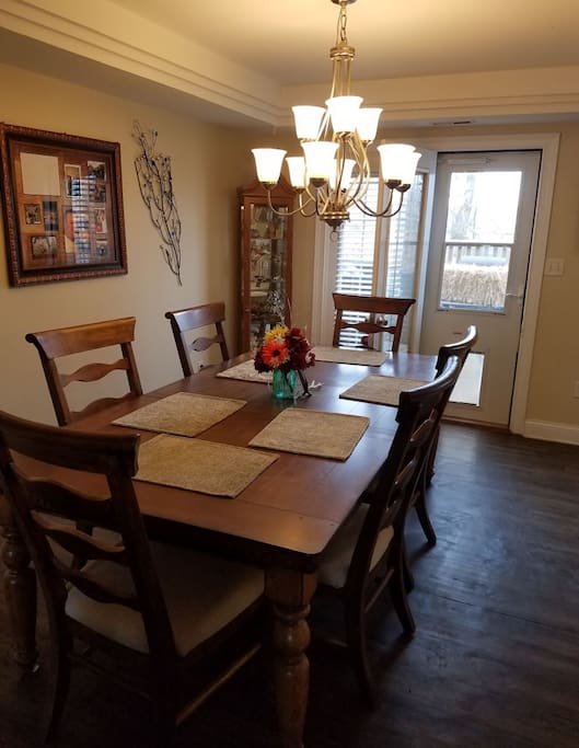 6 Person Dinning Room Table