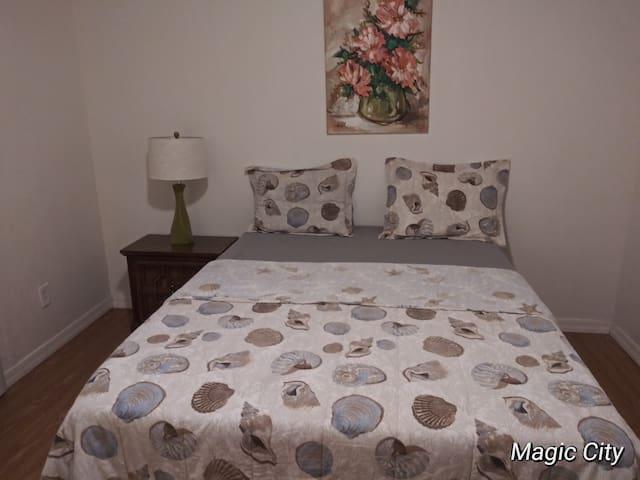 Disney/Orlando Aiport near private room #1