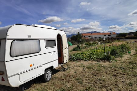 Pequeña caravana Small Motorhome