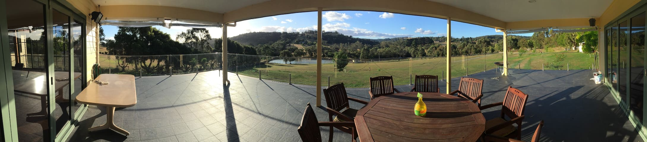 Peaceful farm stay with gorgeous views - Pakenham - Lejlighed
