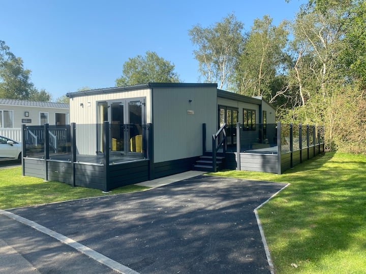 Tattershall Lakes Luxury TribeCa Stay with Hot Tub