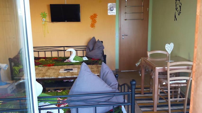 Gemütliche Unterkunft mit Terrasse - Pirmasens