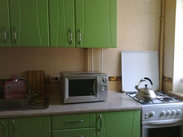 Сдам 2-комнатную квартиру в Центре - Luhansk - Apartamento