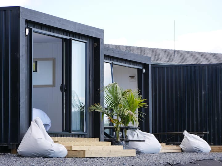 Te Arai Eco Pod.. Panoramic Ocean Views!