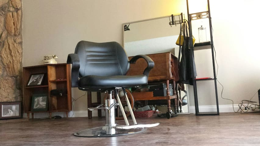 Stay with a Stylist; look & feel your best! - Los Angeles - Řadový dům