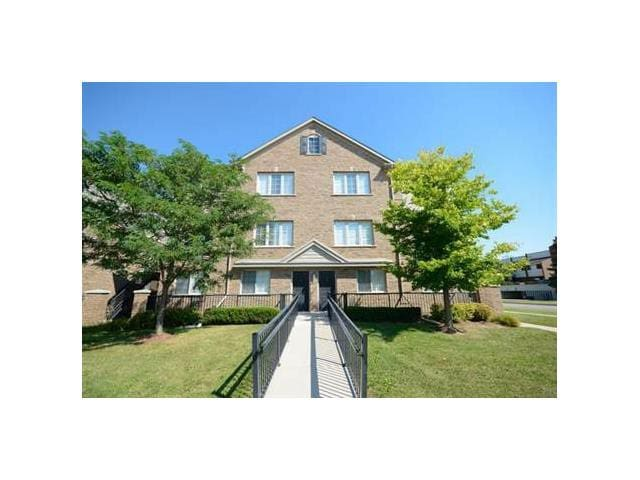 KW Private Rm. (Central to Guelph/Cambridge/W.loo) - Kitchener - Apto. en complejo residencial