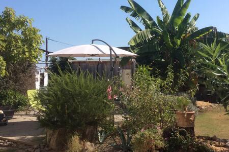 Audon : maison chaleureuse avec jardin