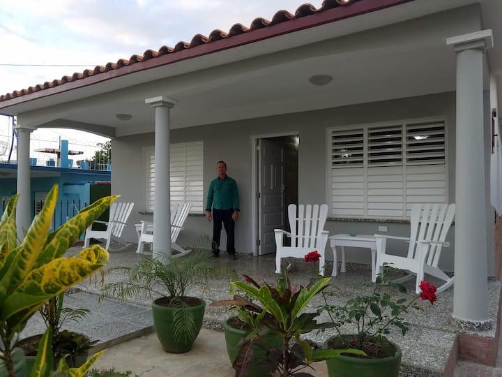 Villa Isvel Fuentes. Dos Habitaciones Privadas