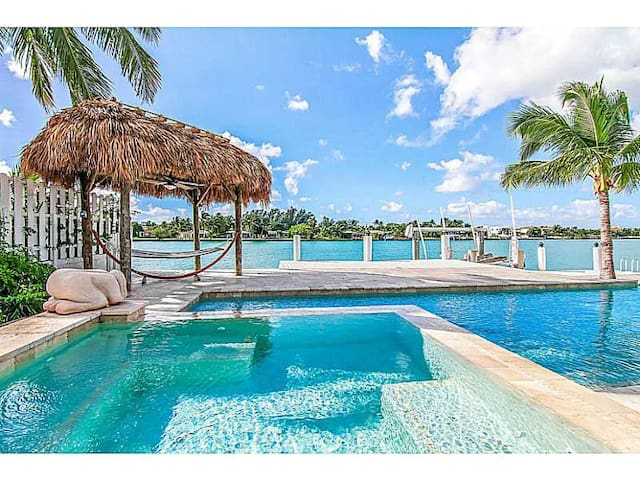 Luxury Waterfront House with Pool&Spa - Miami Beach - House