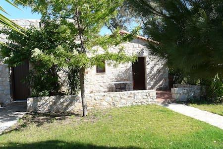Ktima Petalea: One Room Cottage - Githio