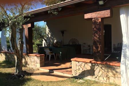 Tranquilla osai in campagna - Sassari - Haus