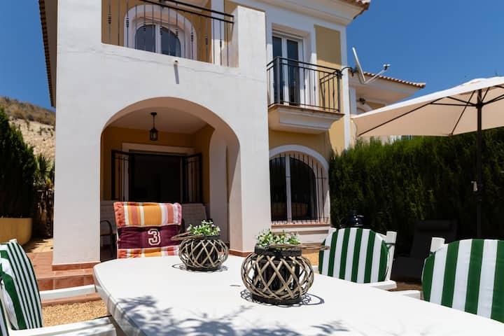 Casa La Rosaleda, two swimming pools and magnificant view