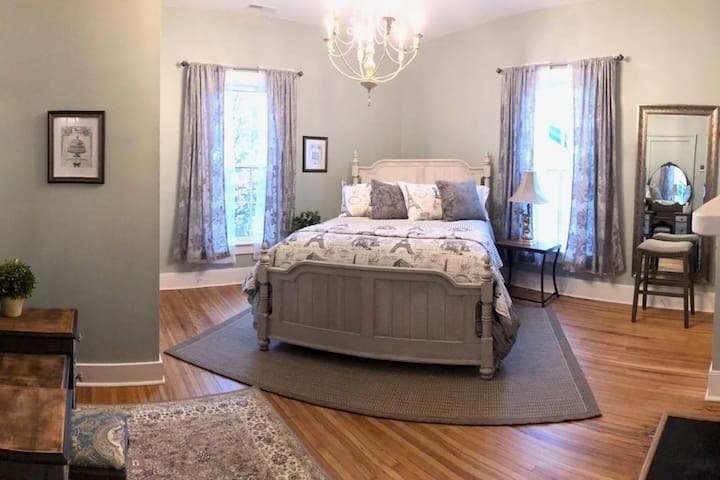 In your elegant bedroom, your beautiful , super comfy queen size bed with plenty of pillows and blankets will make you wish it was bedtime already!