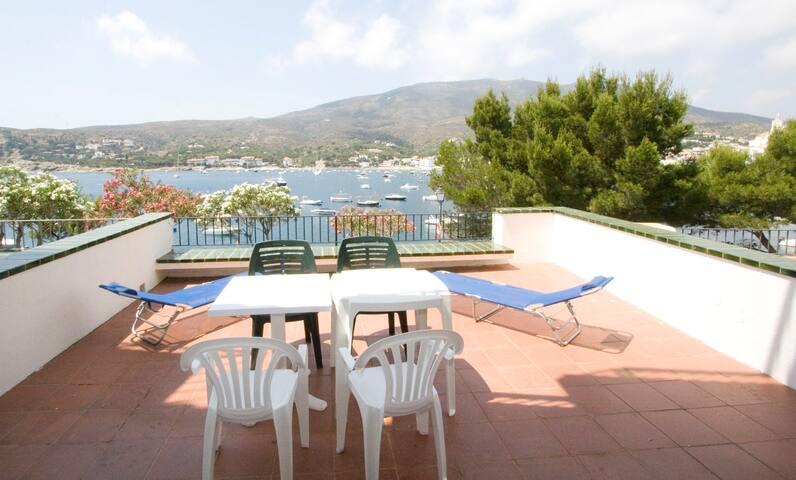 Apartamento con magnificas vistas al mar/pueblo