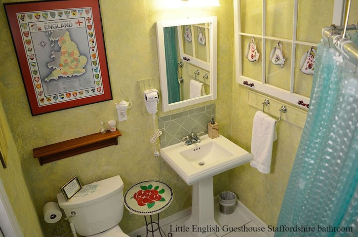 Little English Guesthouse - Staffordshire Bathroom, which is private and ensuite to the room. Enjoy free breakfast, with cleaning and service fees included at a legal bed and breakfast! We look forward to meeting you!
