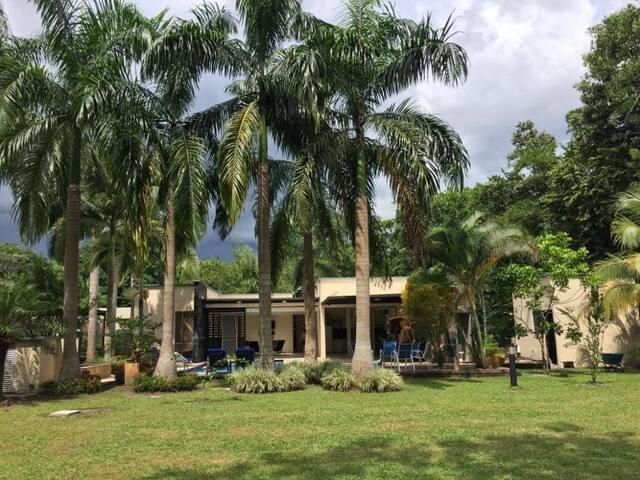 Villa exclusiva Villavicencio ★Rest House★Pool ★
