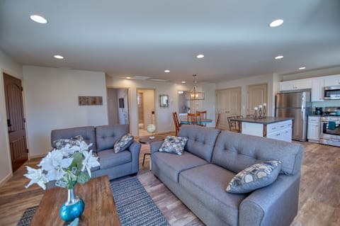 Country Mountain Getaway, Pet and Family Friendly