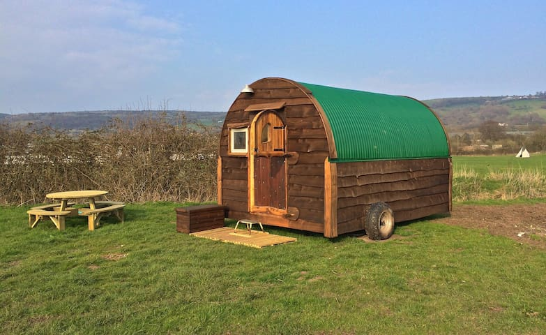 Unique Hand built Shepherds Hut 1