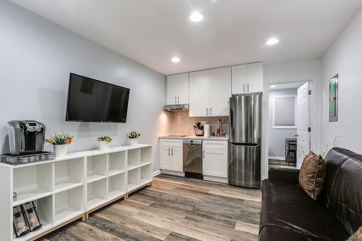Fells Point Remodeled 2 Bedroom