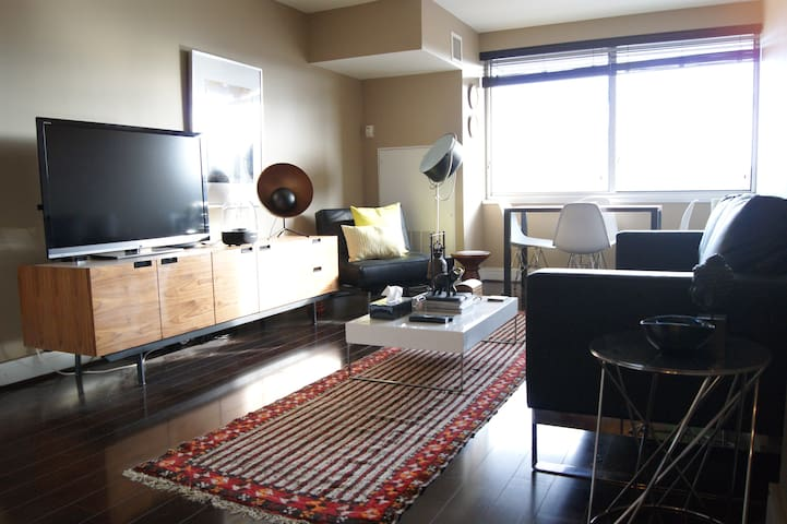 Luxury steps away from Cherry Blossoms & Museums! - Washington - Apartamento