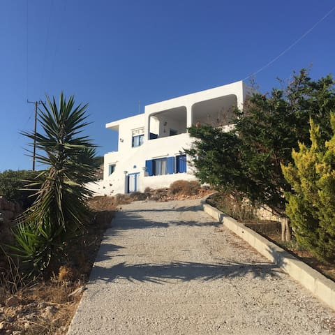 Comfortable house with seaview (ground floor)