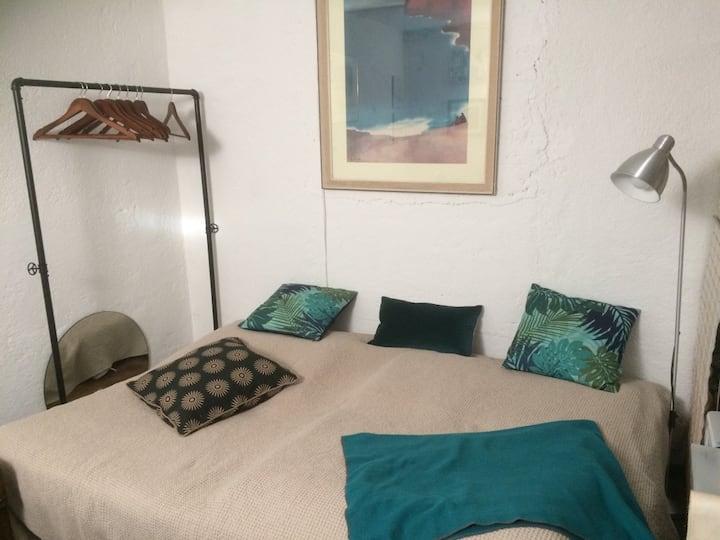 Nice and quiet little room in Weilheim