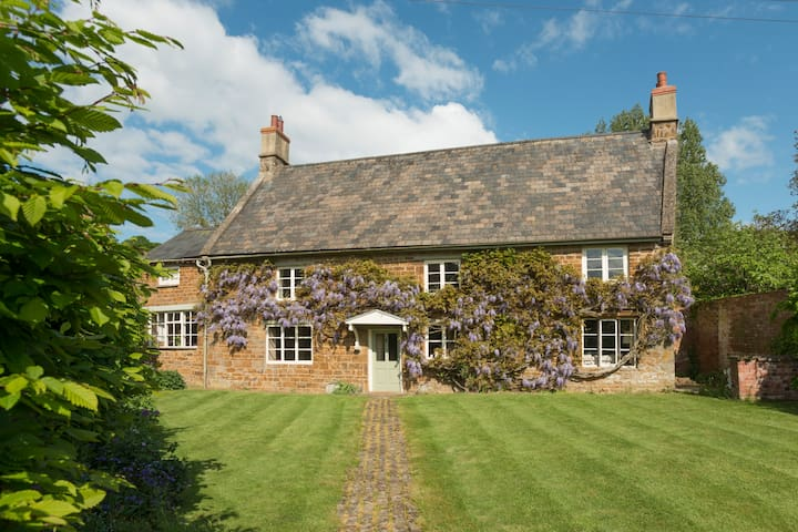Charming home in tranquil rural village sleeps 10