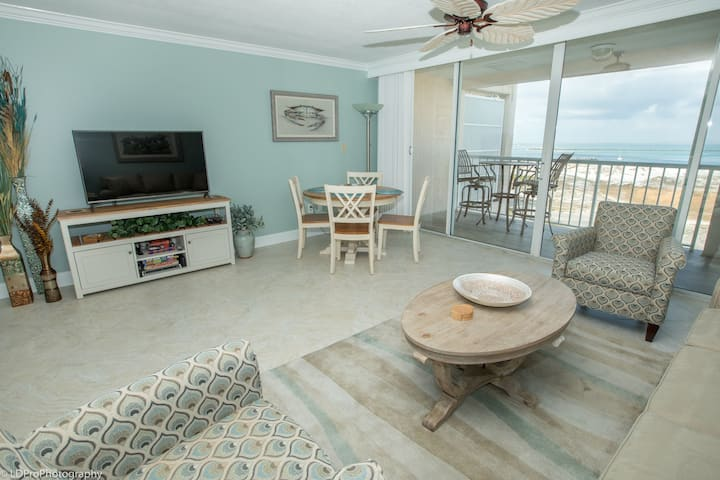 Magnolia House  606 - Luxury Top Floor 1 BR - Stunning Views