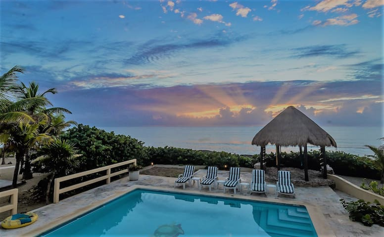 3 BR Oceanfront House with pool, wifi and a/c