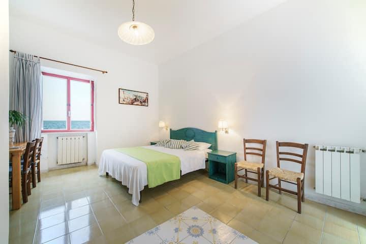 Austro-Appartamento vista mare