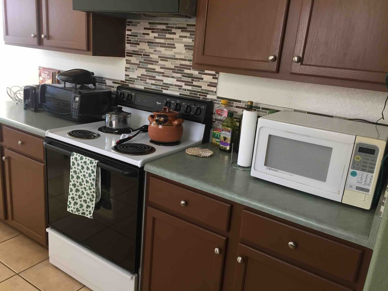 Microwave, stove, little oven, grill, toaster