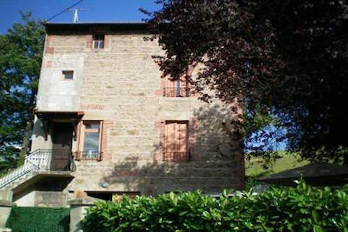 Maison en pierre, 7 personnes - Sorbiers - Casa