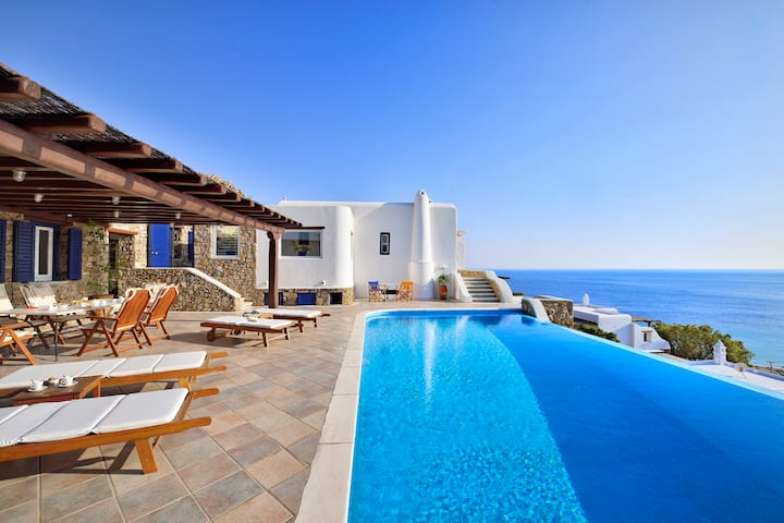 Mykonian Dianthus Four-Bedroom Villa