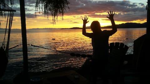 Sunset Cottage Beachside
