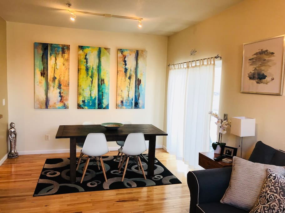 Modern 3 Bedroom 3 5 Bath Townhome With Garage Townhouses For Rent In Fort Collins Colorado