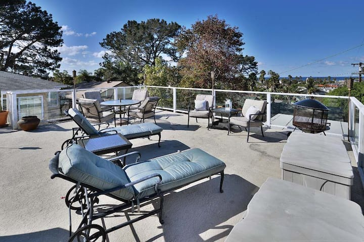 Pet Friendly 2 Bedroom with Hot Tub in Ocean Beach