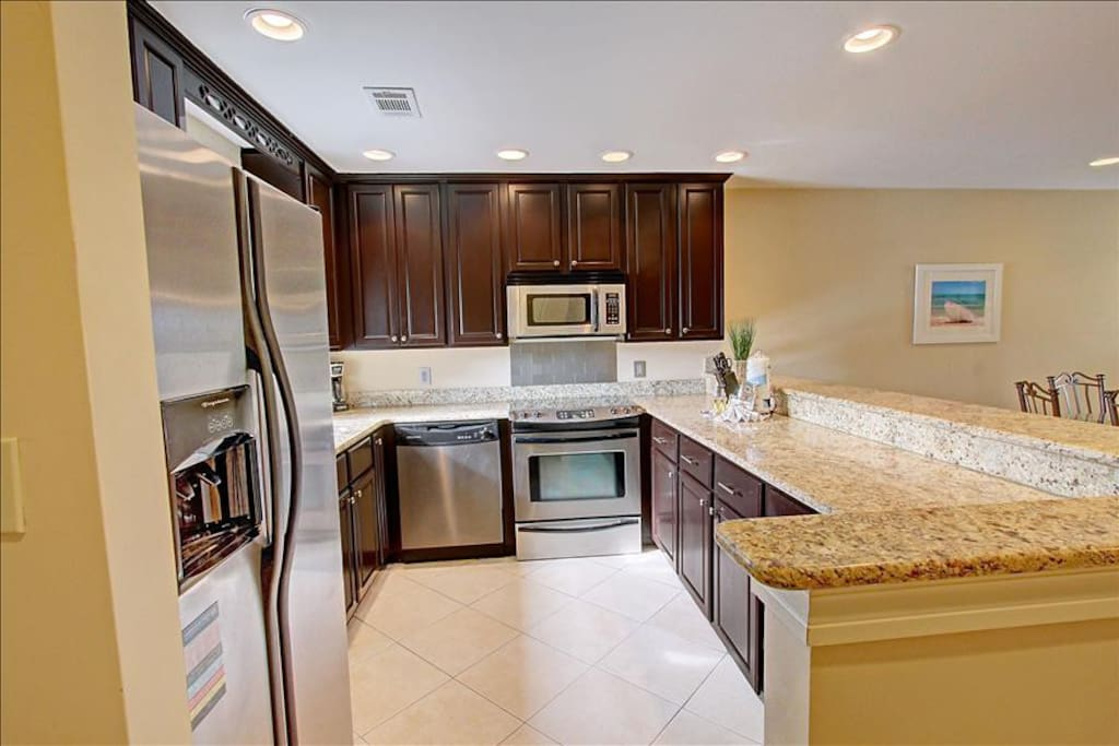 Beautiful Kitchen and Amenities