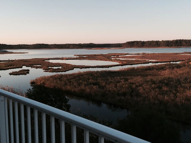 Stunning Waterfront TH near beach - Selbyville