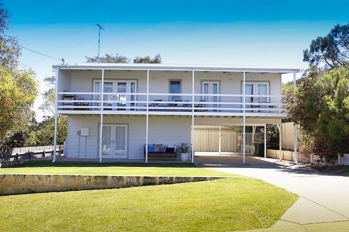 VK BEACH HOUSE - Falcon - Casa