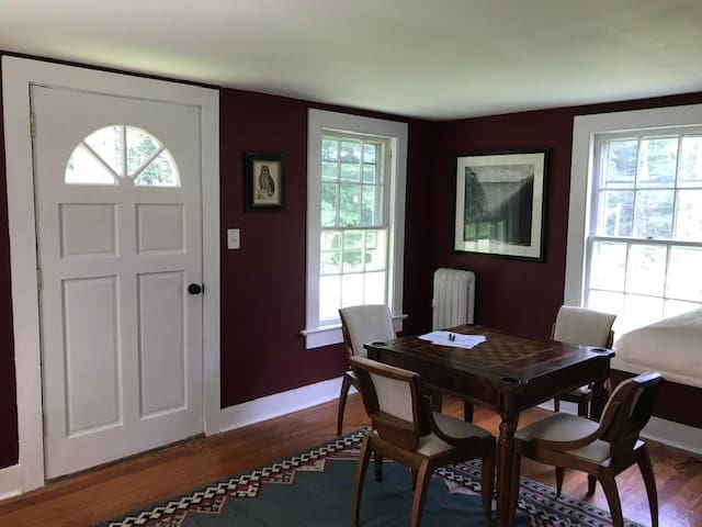 newly renovated cozy 3br house in great location