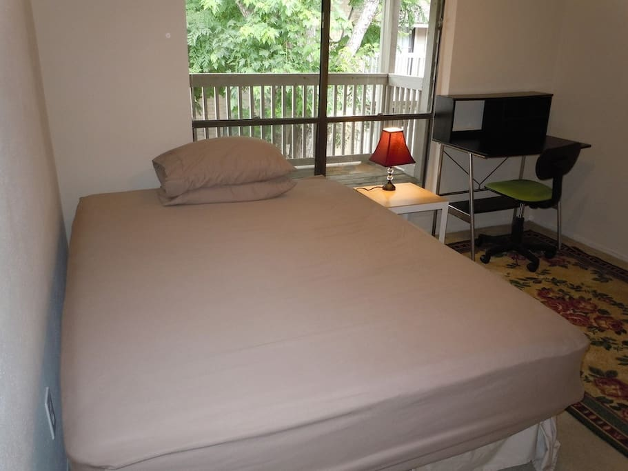 Private Room with Queen Bed and Desk