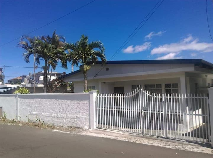 Fully equipped house, with garden and parking