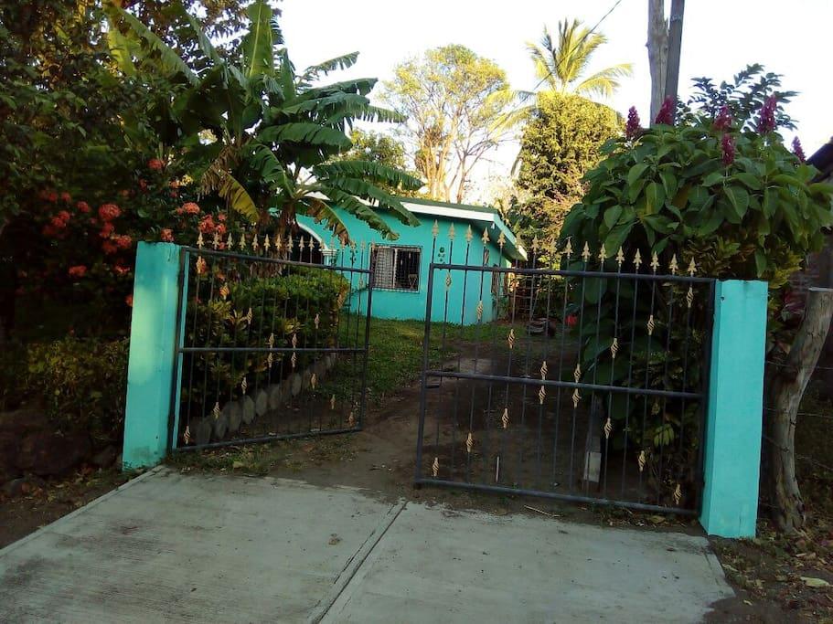 Entrada a  casa Marg