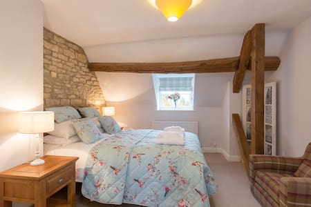 Greystones Cottage. Sleeps 4. Cotswold Way. - Cold Aston