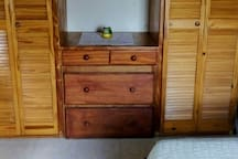 Closet in bedroom 2