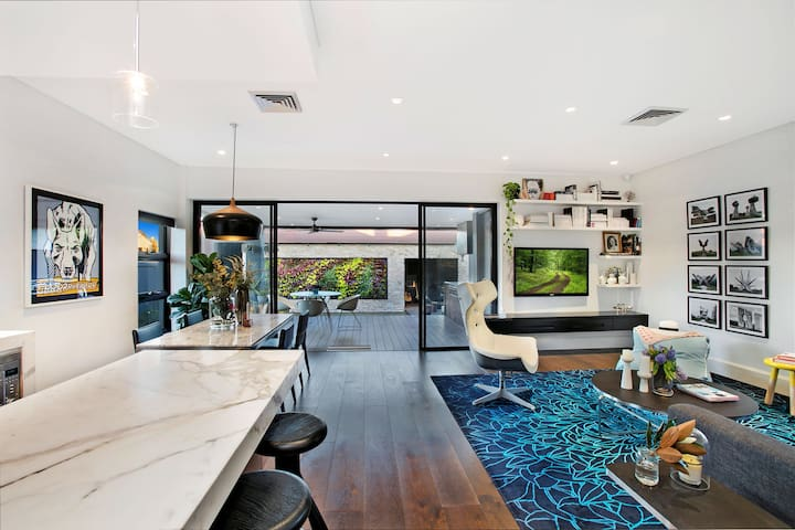 Cosy house Sydney 2BD+1BR+PARKING - Kyeemagh - House